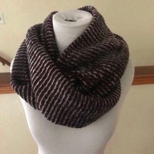 New Steve Madden Shimmery Purple Infinity Scarf